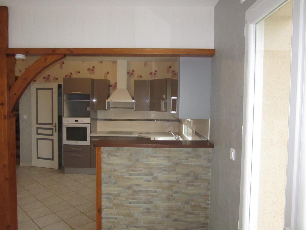 Maison à louer 4 92m2 à Azerat vignette-2