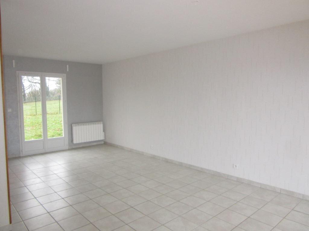 Maison à louer 4 92m2 à Azerat vignette-3