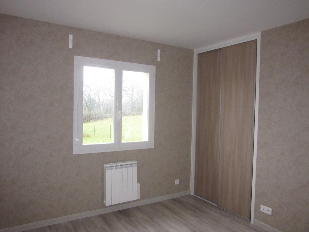Maison à louer 4 92m2 à Azerat vignette-5