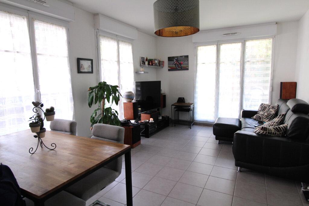 Appartement à vendre 3 63.27m2 à Villebon-sur-Yvette vignette-2