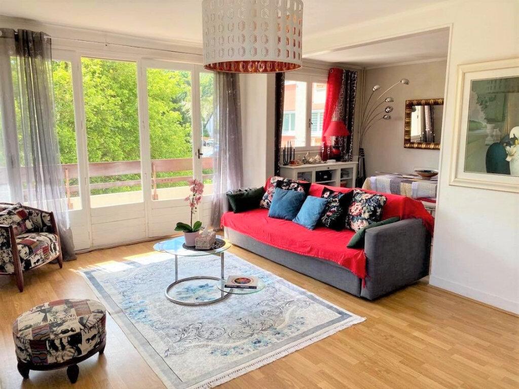 Appartement à vendre 4 79m2 à Villebon-sur-Yvette vignette-1