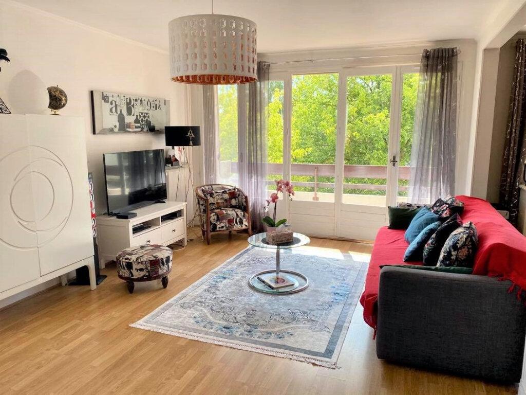 Appartement à vendre 4 79m2 à Villebon-sur-Yvette vignette-2