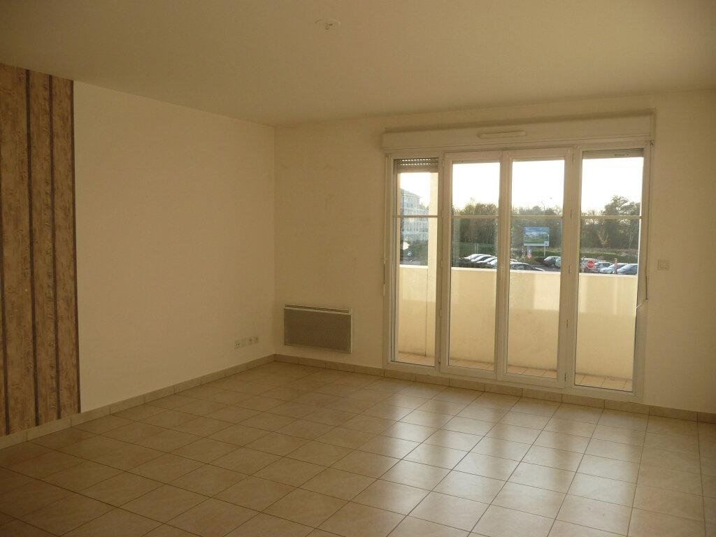 Appartement à louer 3 61m2 à Montévrain vignette-2