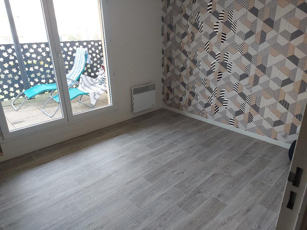 Appartement à louer 2 40.42m2 à Montévrain vignette-5