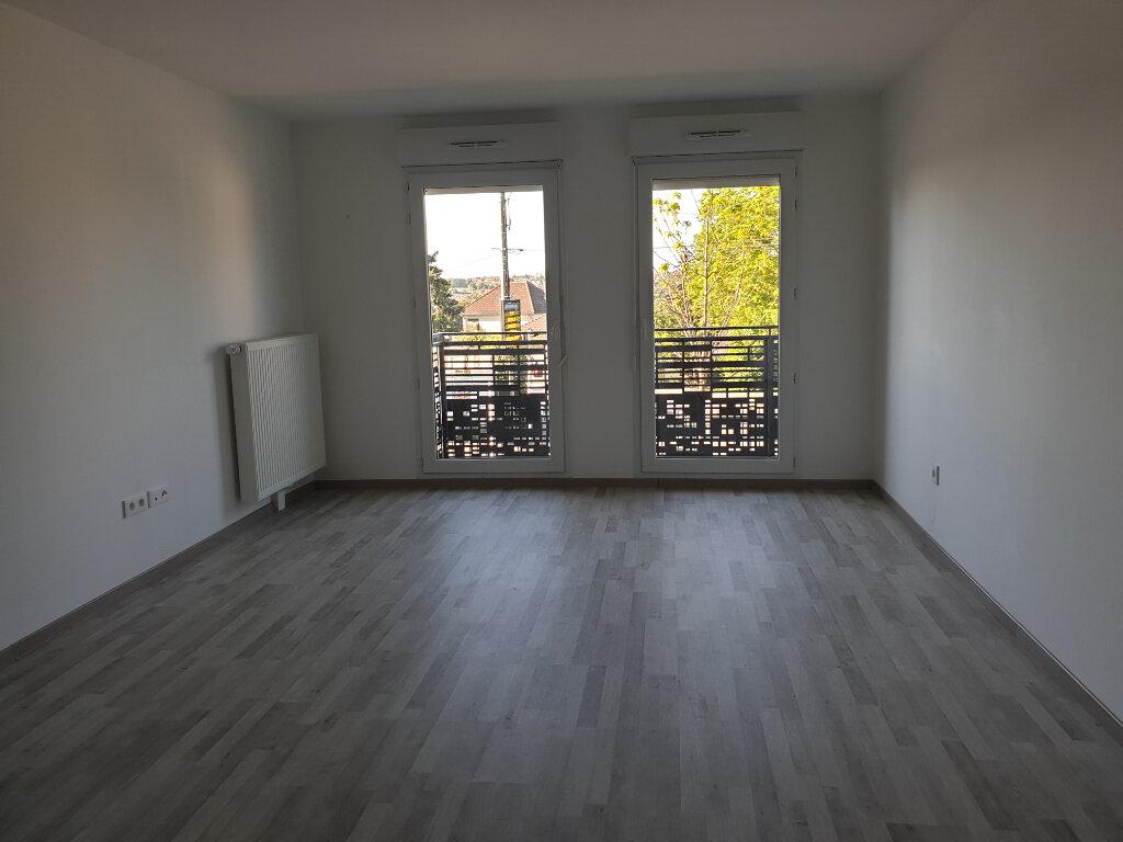 Appartement à louer 3 62.18m2 à Lagny-sur-Marne vignette-1