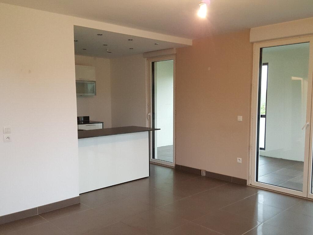 Appartement à louer 3 64.5m2 à Montévrain vignette-2