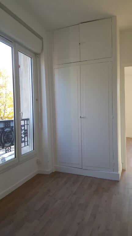 Maison à louer 5 113.21m2 à Chessy vignette-7