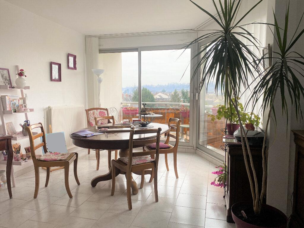 Appartement à louer 3 83m2 à Vendôme vignette-1