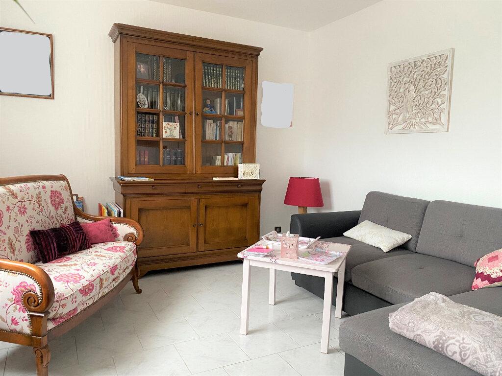 Appartement à louer 3 83m2 à Vendôme vignette-3