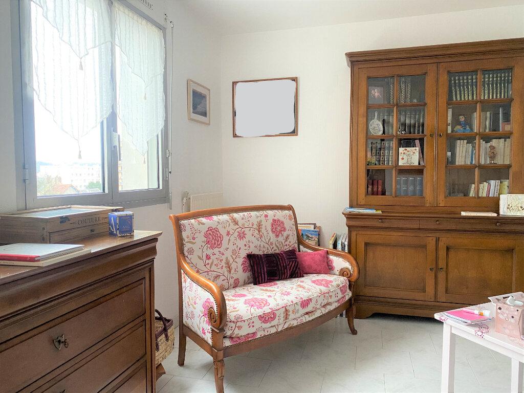 Appartement à louer 3 83m2 à Vendôme vignette-4