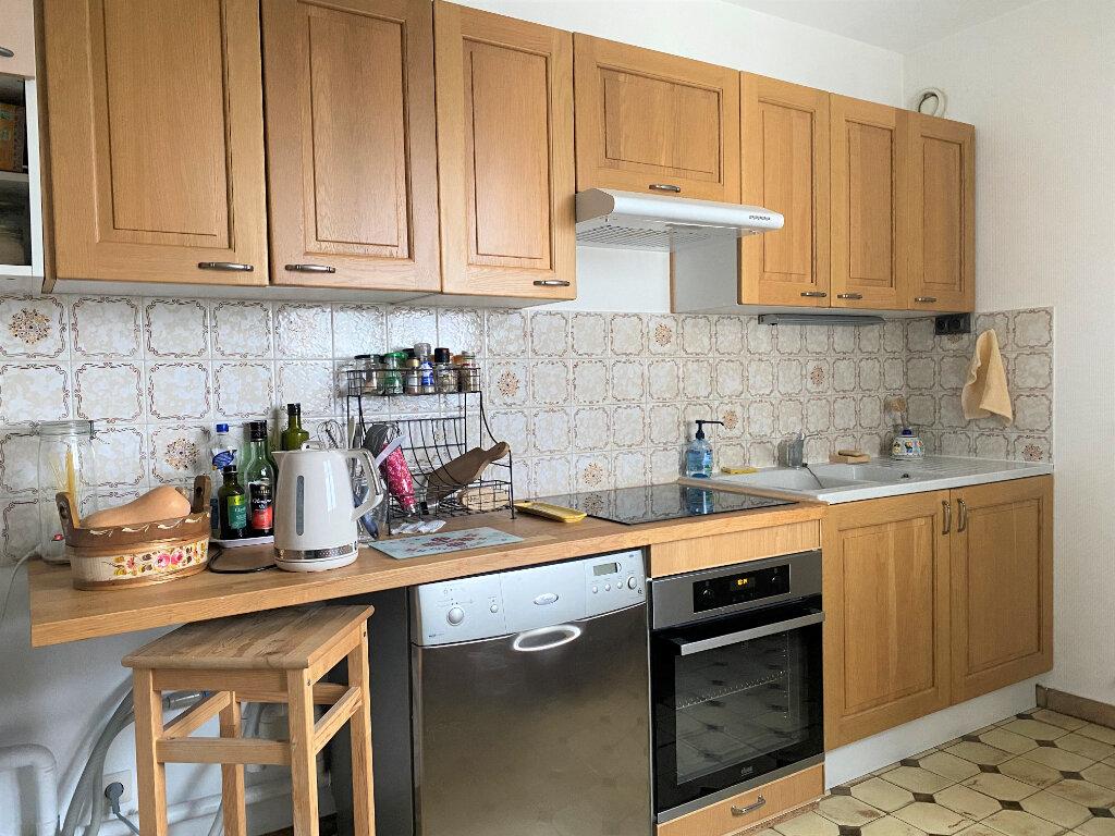 Appartement à louer 3 83m2 à Vendôme vignette-5