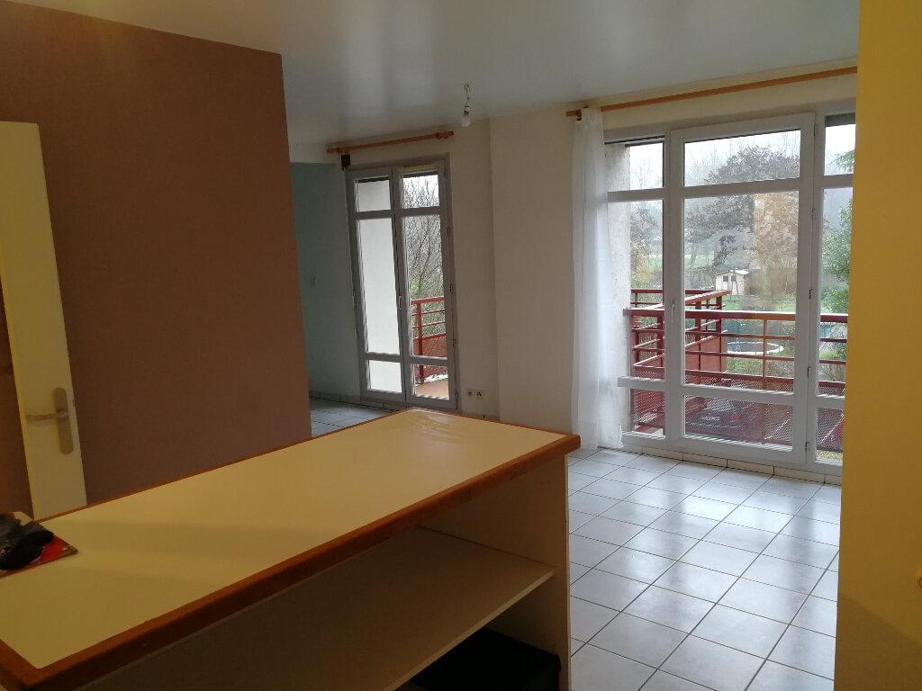 Appartement à louer 3 57.46m2 à Vendôme vignette-2