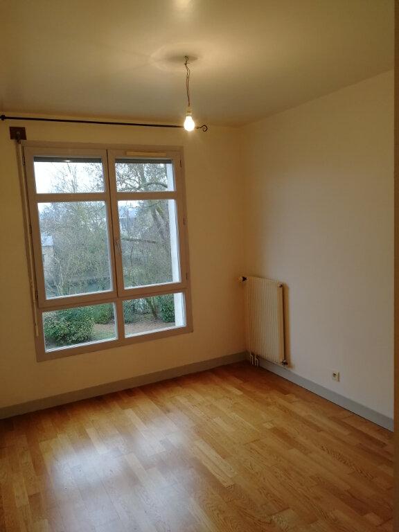 Appartement à louer 3 57.46m2 à Vendôme vignette-5