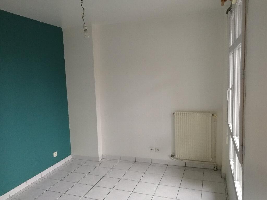 Appartement à louer 3 57.46m2 à Vendôme vignette-7