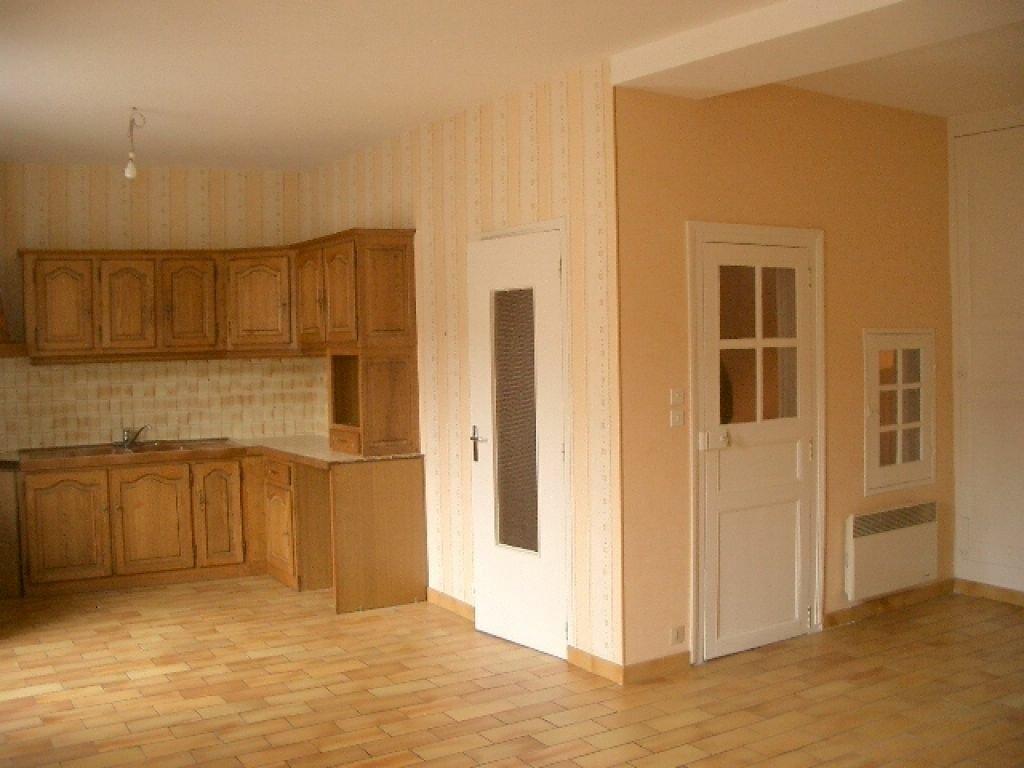 Appartement à louer 3 74m2 à Montoire-sur-le-Loir vignette-1
