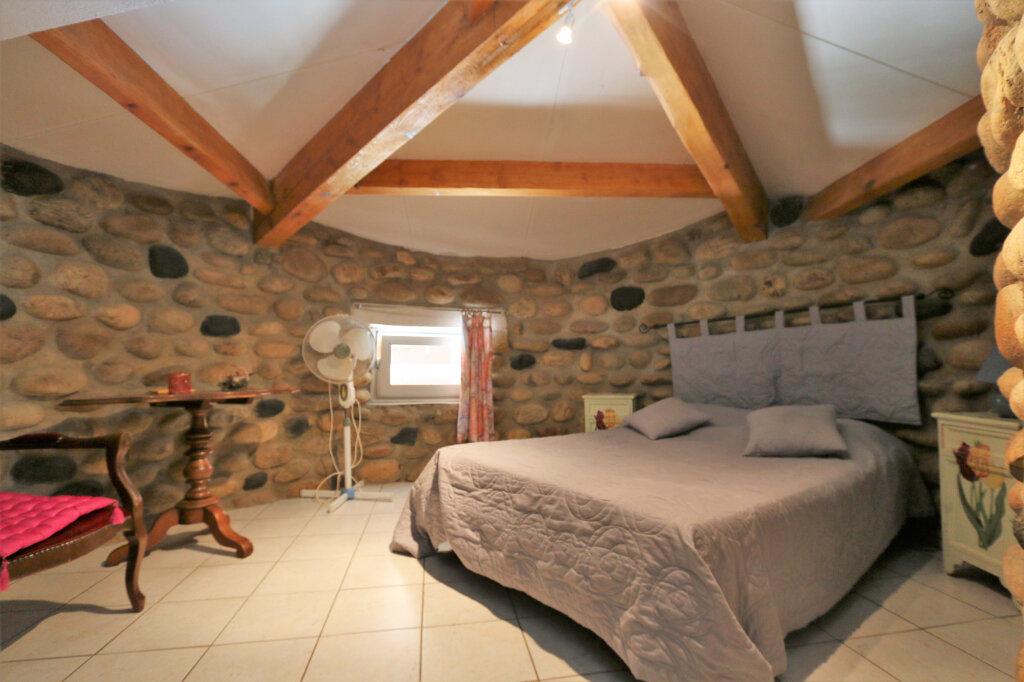 Maison à vendre 12 310m2 à Vallon-Pont-d'Arc vignette-2