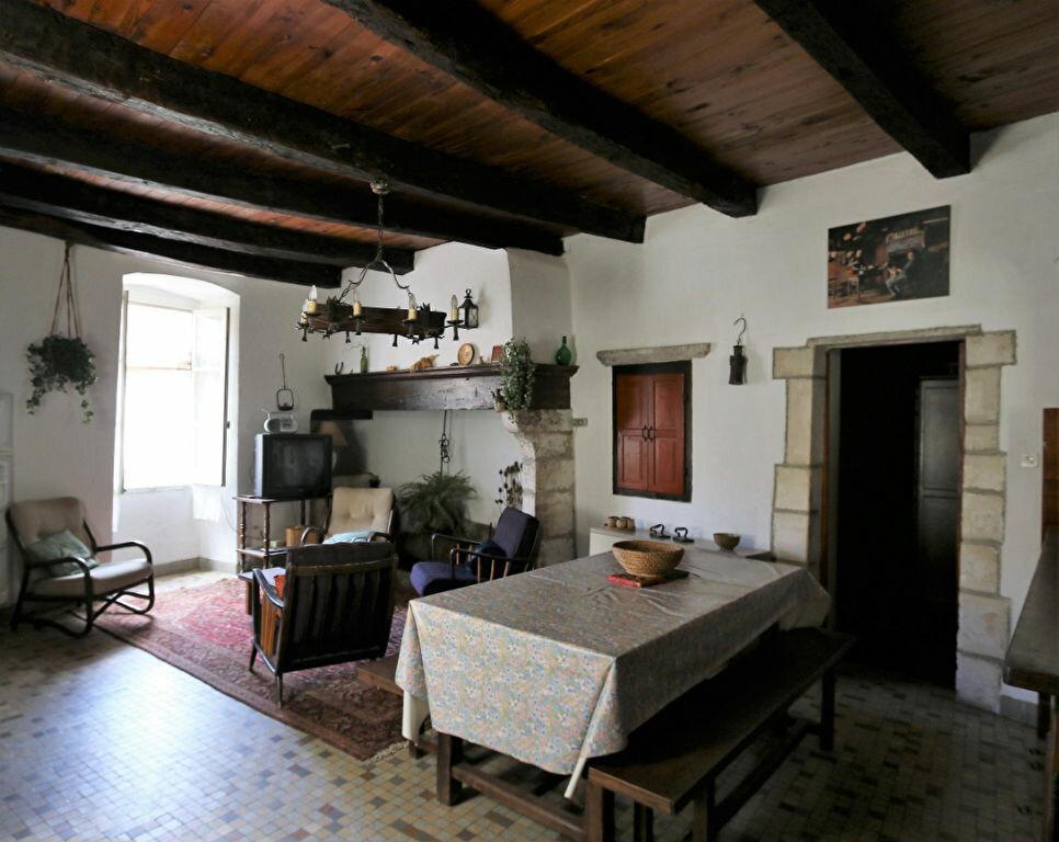 Maison à vendre 4 105m2 à Vallon-Pont-d'Arc vignette-1