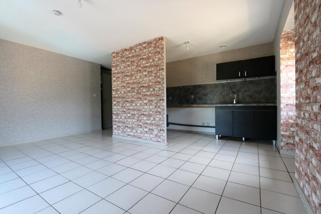 Appartement à louer 2 36m2 à Vallon-Pont-d'Arc vignette-1