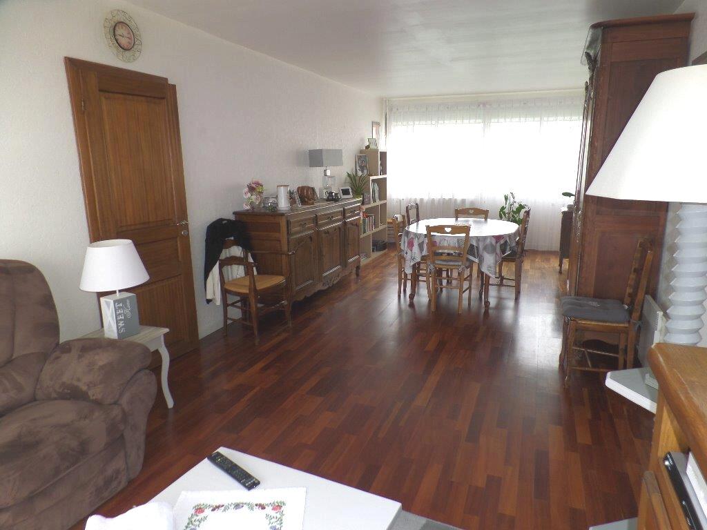 Appartement à vendre 4 80.98m2 à Saint-Pierre-lès-Elbeuf vignette-1