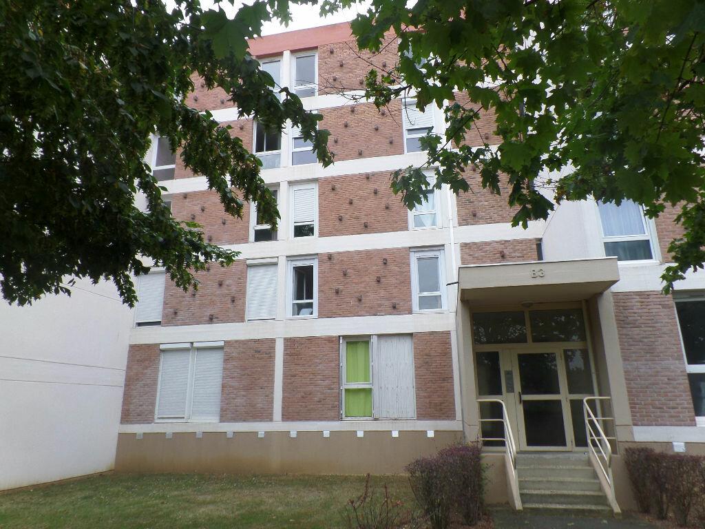 Appartement à louer 4 66m2 à Saint-Pierre-lès-Elbeuf vignette-2