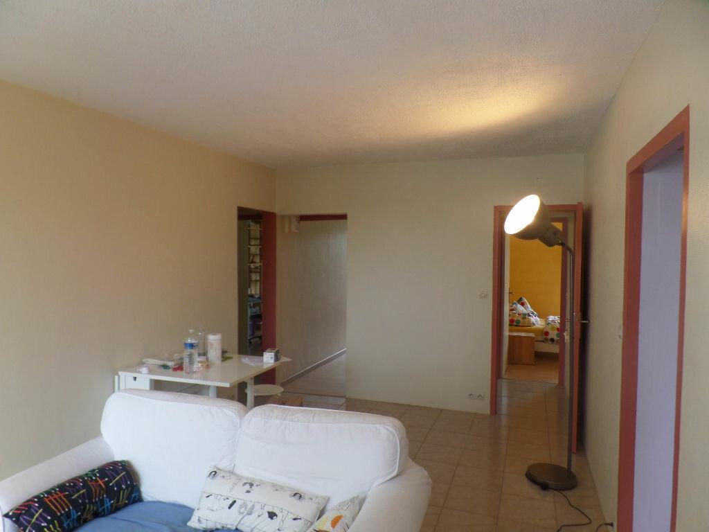 Appartement à louer 4 66m2 à Saint-Pierre-lès-Elbeuf vignette-4
