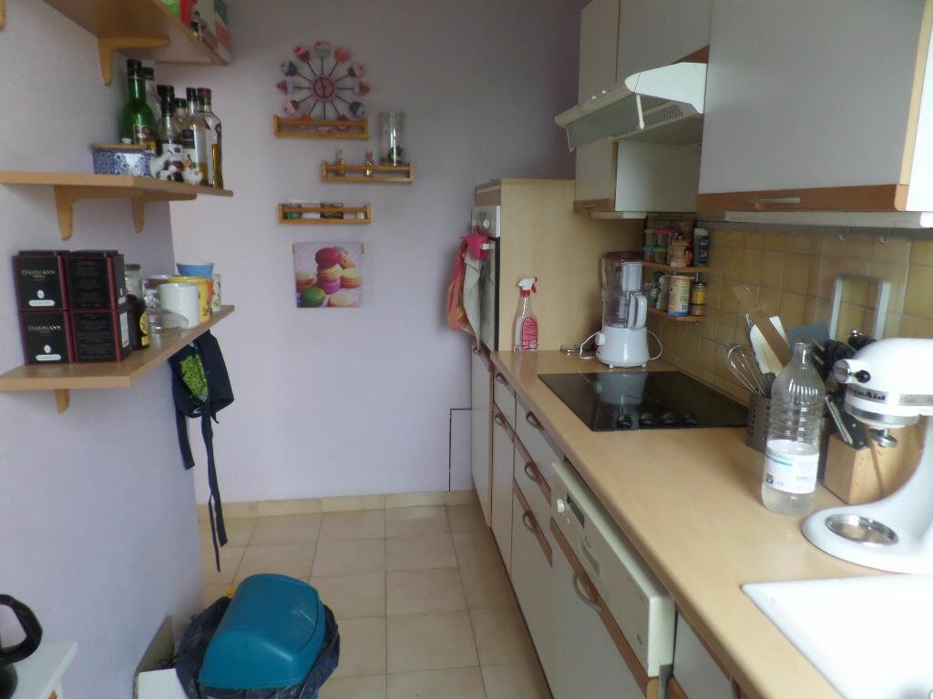 Appartement à louer 4 66m2 à Saint-Pierre-lès-Elbeuf vignette-6