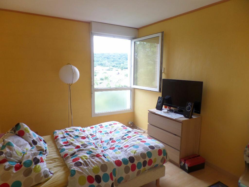 Appartement à louer 4 66m2 à Saint-Pierre-lès-Elbeuf vignette-9