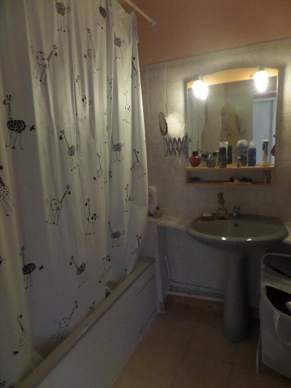 Appartement à louer 4 66m2 à Saint-Pierre-lès-Elbeuf vignette-10