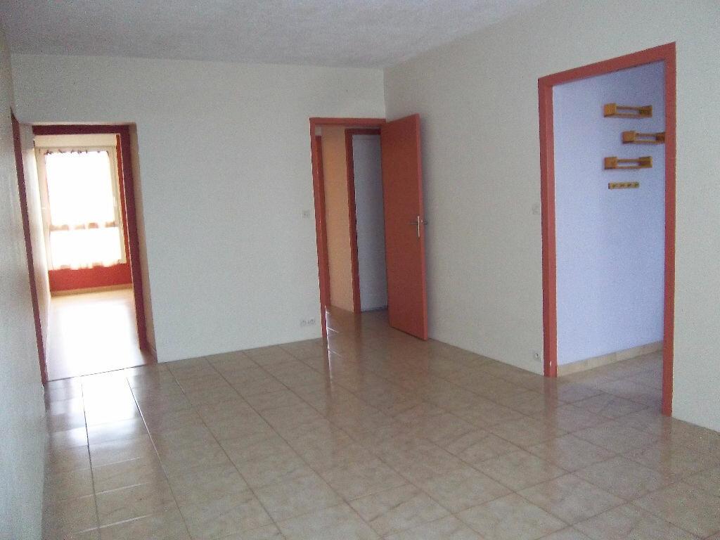 Appartement à vendre 4 66m2 à Saint-Pierre-lès-Elbeuf vignette-1
