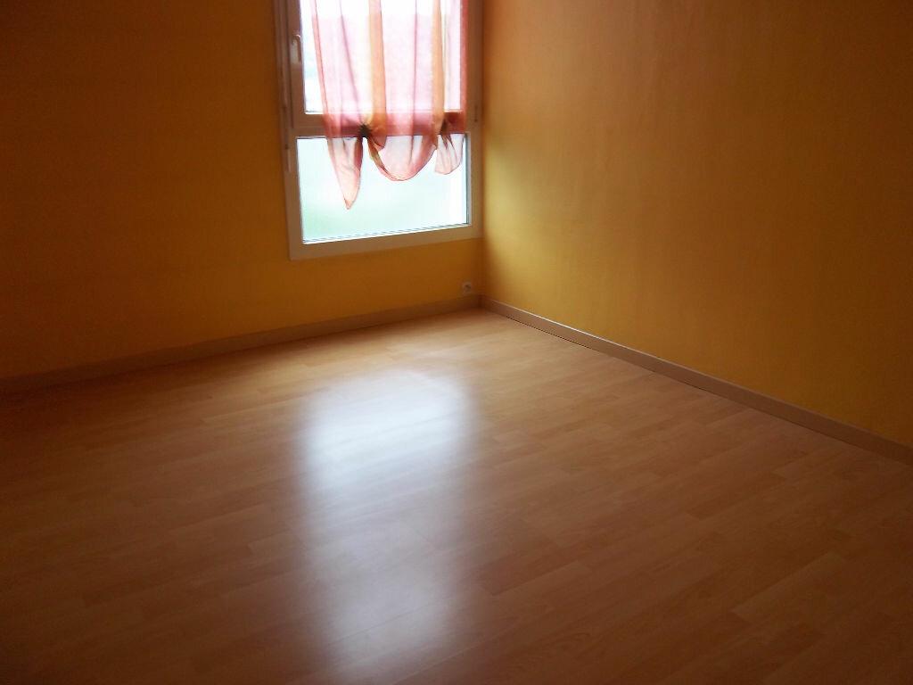 Appartement à vendre 4 66m2 à Saint-Pierre-lès-Elbeuf vignette-2