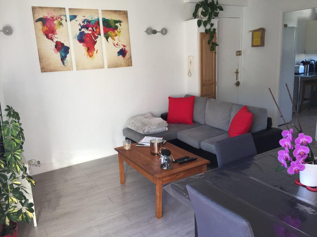 Appartement à louer 3 54.93m2 à Saint-Léger-du-Bourg-Denis vignette-3