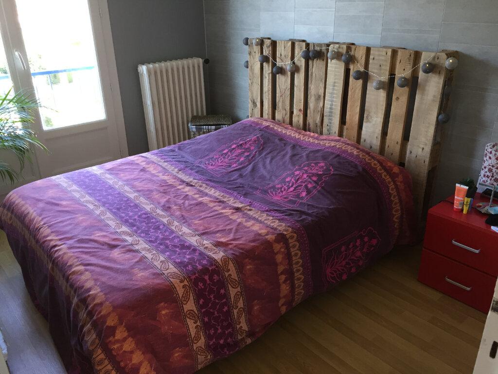 Appartement à louer 3 54.93m2 à Saint-Léger-du-Bourg-Denis vignette-4