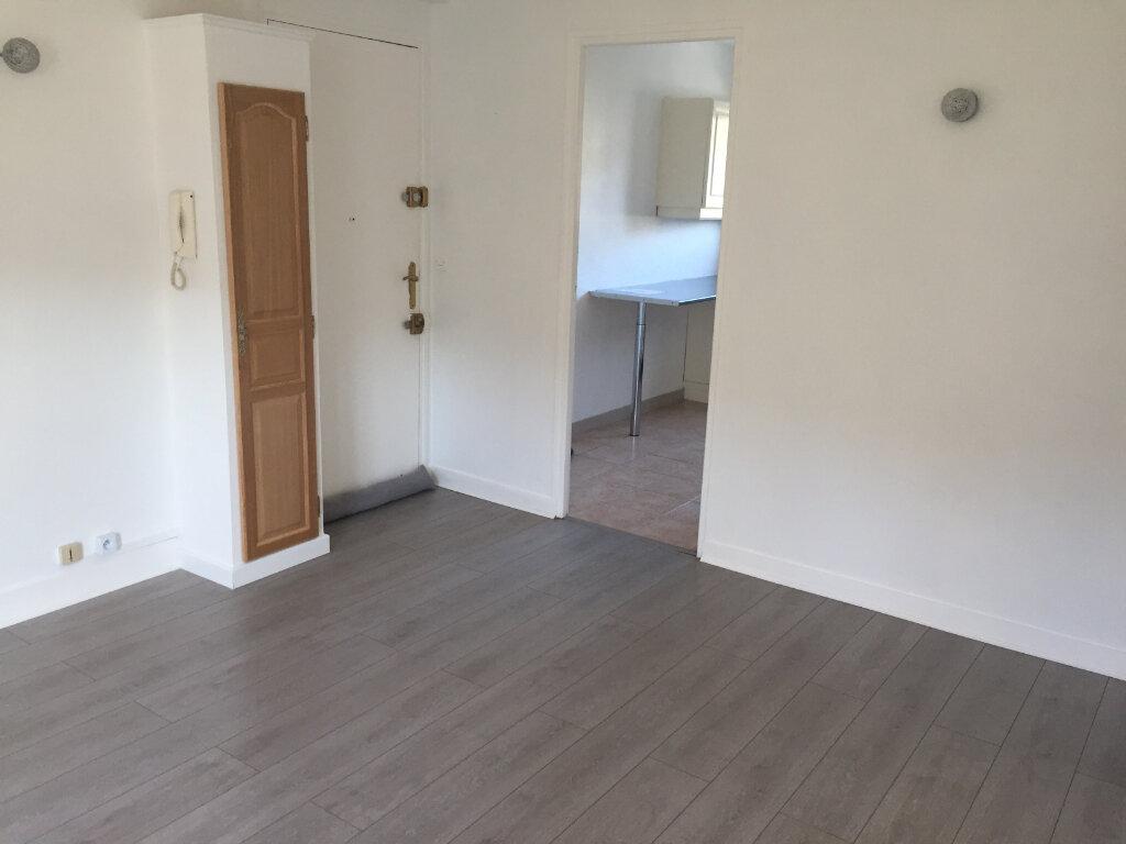 Appartement à louer 3 54.93m2 à Saint-Léger-du-Bourg-Denis vignette-9