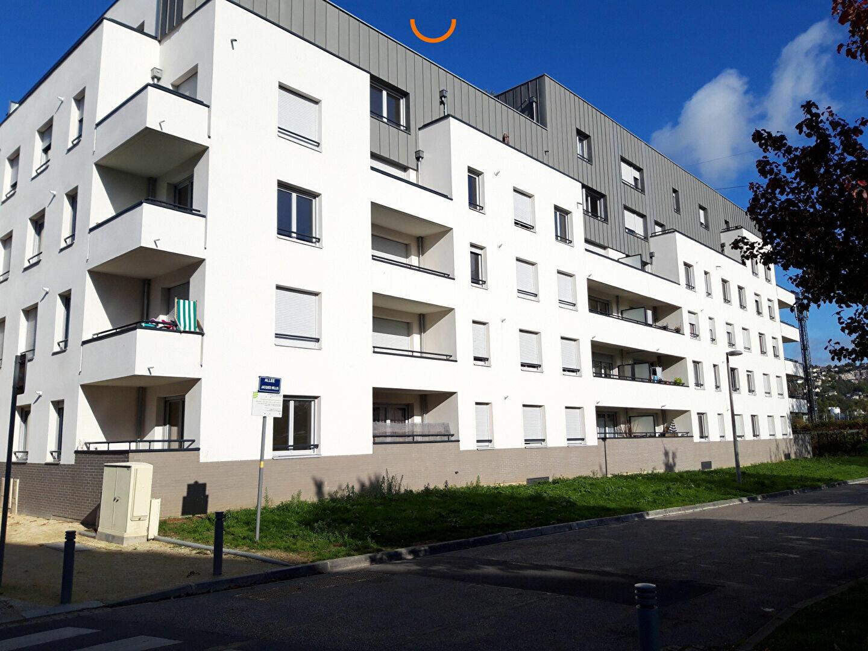 Appartement à louer 3 61.7m2 à Rouen vignette-1