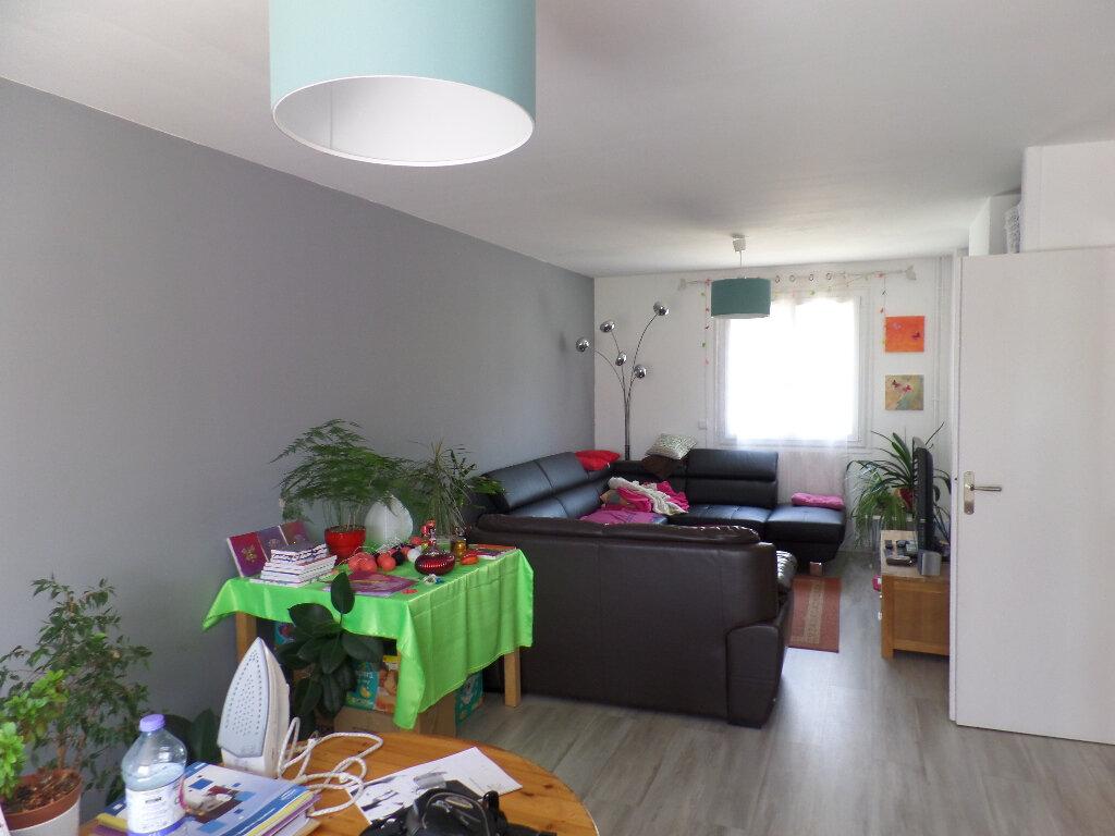 Maison à vendre 5 120m2 à Saint-Aubin-lès-Elbeuf vignette-2