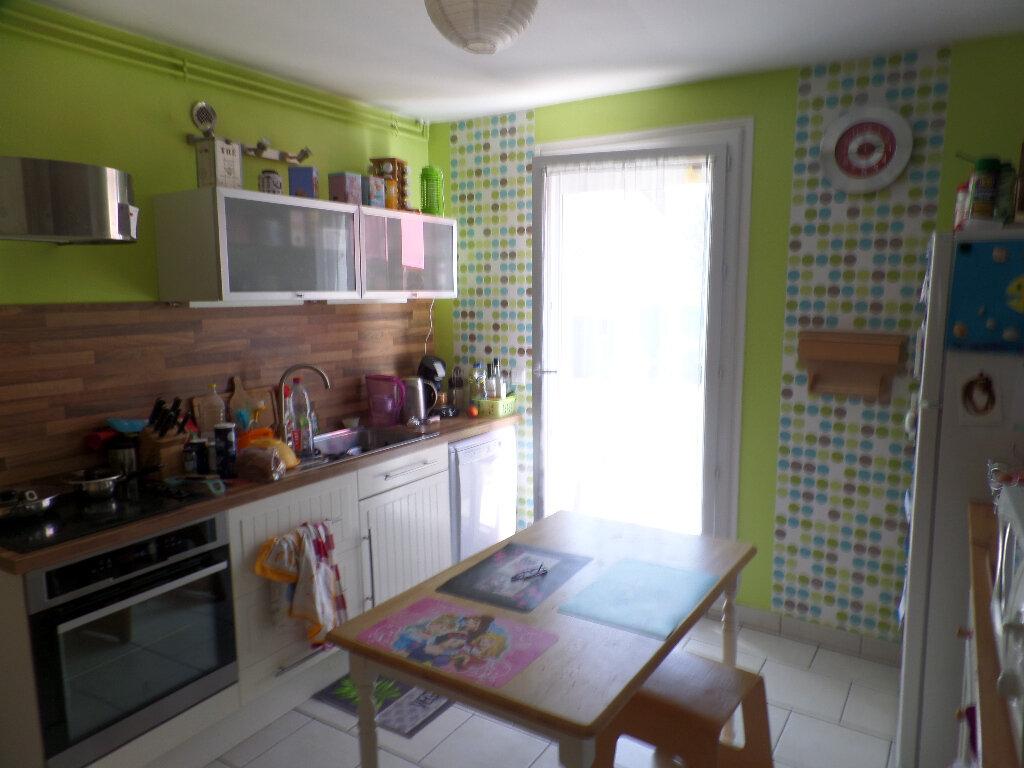 Maison à vendre 5 120m2 à Saint-Aubin-lès-Elbeuf vignette-3