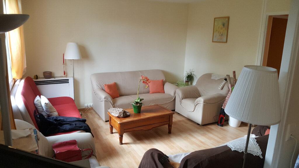Appartement à vendre 4 67m2 à Saint-Aubin-lès-Elbeuf vignette-1