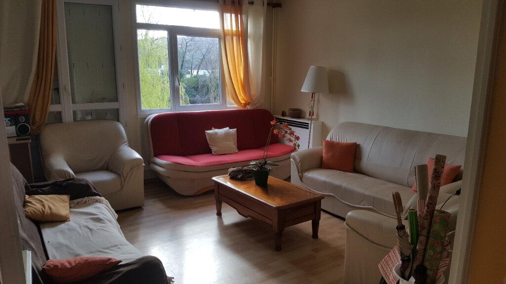 Appartement à vendre 4 67m2 à Saint-Aubin-lès-Elbeuf vignette-2