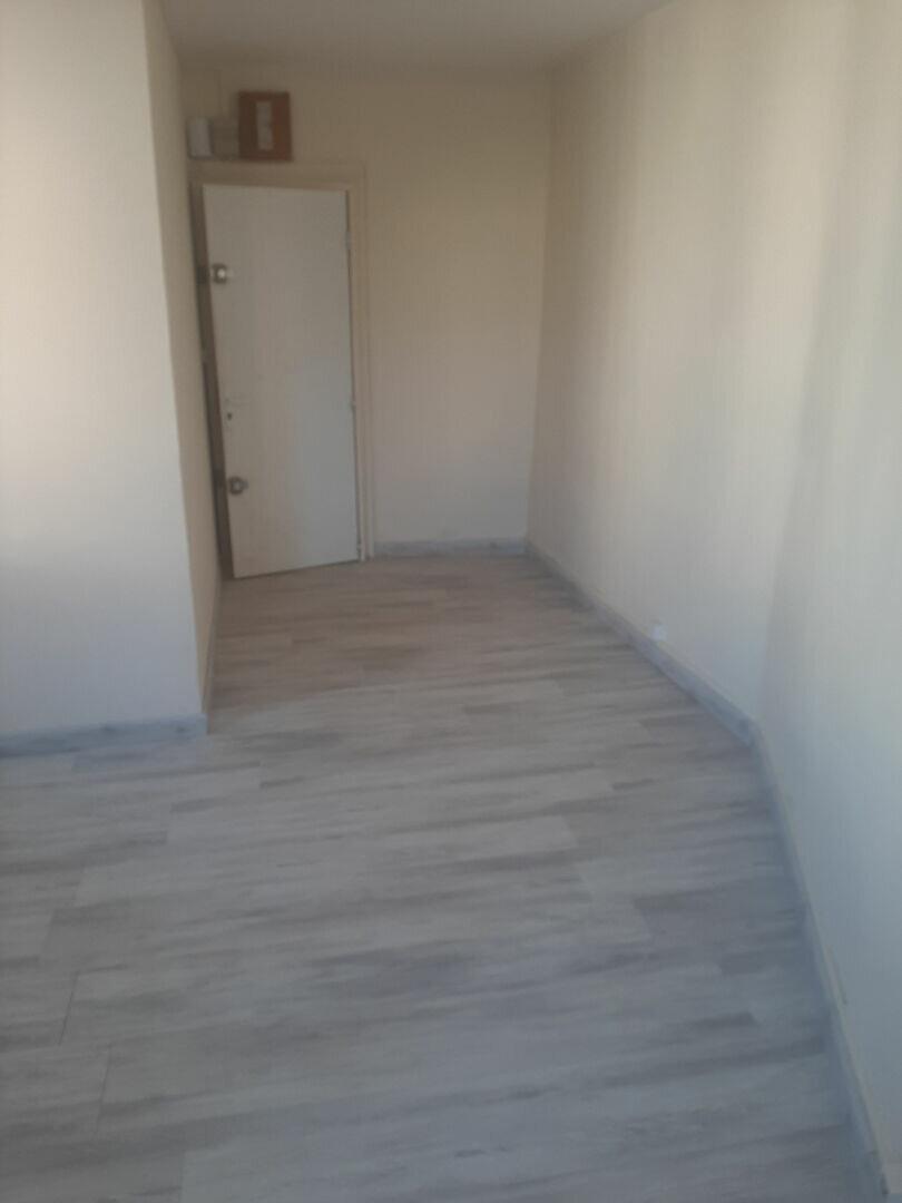 Appartement à louer 1 18m2 à Sotteville-lès-Rouen vignette-3