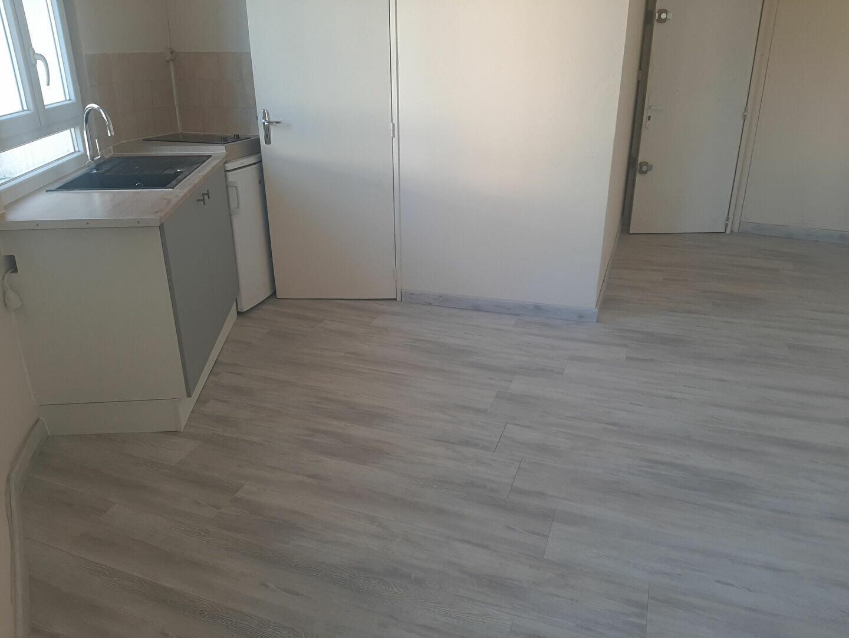 Appartement à louer 1 18m2 à Sotteville-lès-Rouen vignette-4