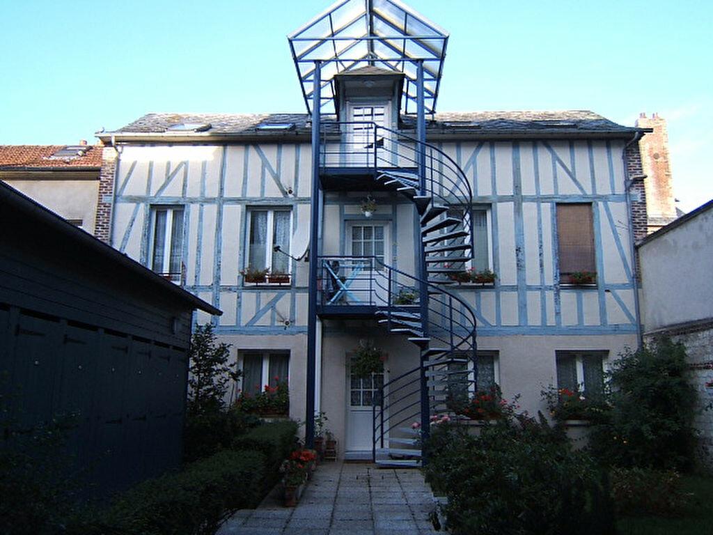 Appartement à louer 3 46m2 à Elbeuf vignette-1