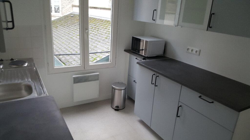Appartement à louer 3 46m2 à Elbeuf vignette-4