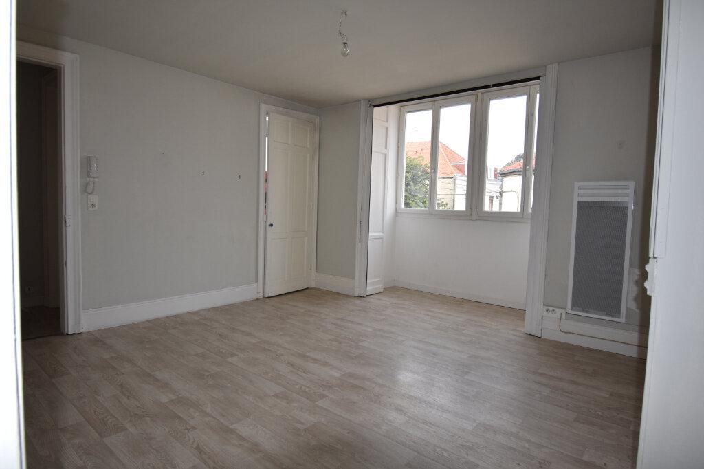 Appartement à louer 2 50m2 à Calais vignette-1