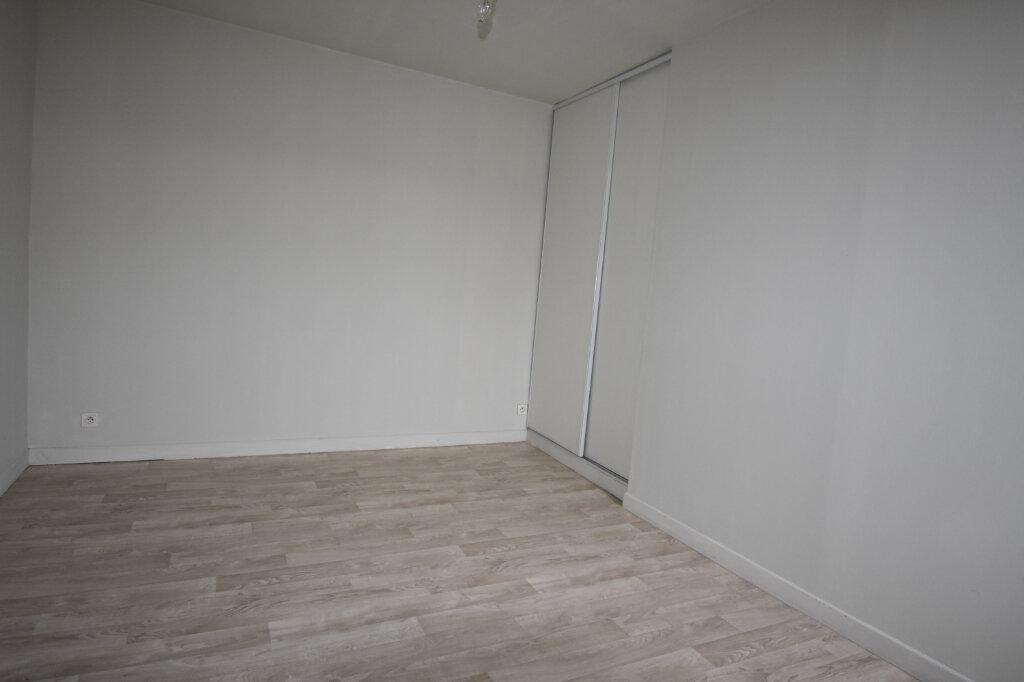 Appartement à louer 2 50m2 à Calais vignette-4
