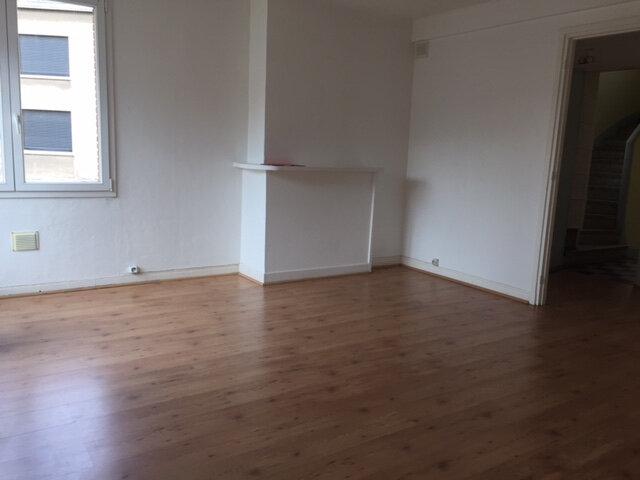 Appartement à louer 3 60m2 à Calais vignette-2