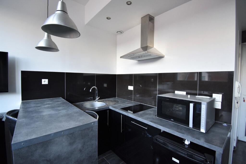 Appartement à louer 1 21.15m2 à Calais vignette-2