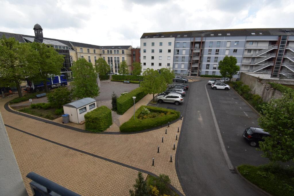Appartement à louer 3 77m2 à Calais vignette-4
