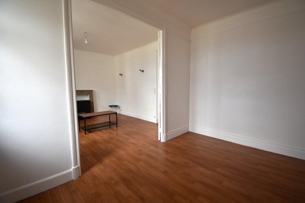 Appartement à louer 2 37m2 à Calais vignette-1