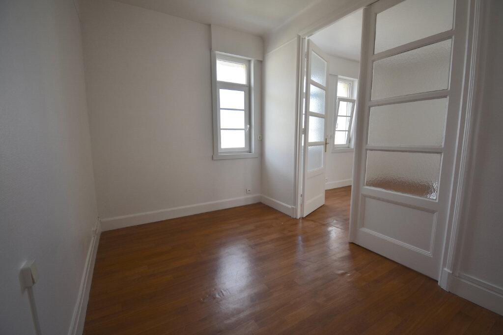 Appartement à louer 2 37m2 à Calais vignette-2