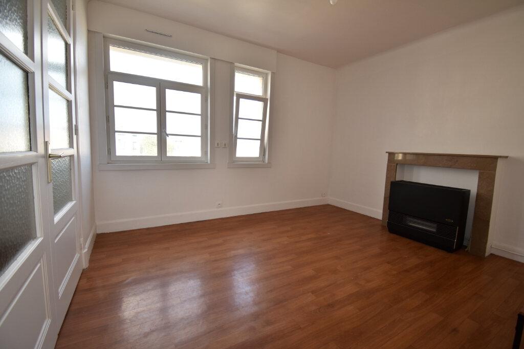 Appartement à louer 2 37m2 à Calais vignette-3
